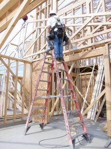 675px-Ladder_fall_prevention_(9253630705)